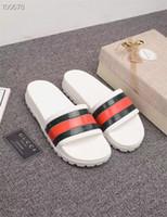 junge modell mädchen kleider großhandel-Schwarz Weiß EUR35-46 Hausschuhe Mode Streifen Sommer 2019 Neue Stil Freizeit Hausschuhe Für Männer Und Frauen