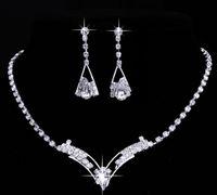 conjuntos de collar de boda de diamantes de imitación al por mayor-Las mujeres chispeantes en forma de V Rhinestone Crystal Necklace Earrings Charm Wedding Jewelry Set Moda nupcial conjunto de joyas