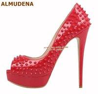 plataforma de zapatos de boda púrpura al por mayor-ALMUDENA Topp Marca Plataforma Remaches bombas de tacón alto del dedo del pie abierto tacones de aguja Spikes zapatos de boda vestido púrpura tachonado Red Shoes