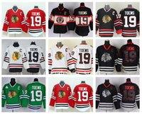 ingrosso blackhawks jersey cranio nero-Hockey su ghiaccio 19 Jonathan Toews Blackhawks Maglie Chicago Winter Classic Ritorno al passato Jonathan Toews Jersey Nero Ice Skull Rosso Bianco Verde