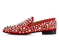 homem cavalheiro branco sapatos venda por atacado-Homens da moda Dandelion Mix Studs Spikes Mocassins Red Bottom Sneakers Oxfords Festa de Casamento Cavalheiro Sapatos de Caminhada Preto, Branco EU35-47