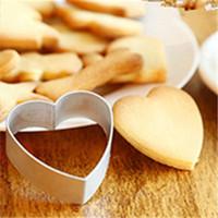 diy dekorierte kekse groihandel-Hochwertige Loving Heart Shaped Küche DIY Dekorieren Plätzchen-Backen-Ausstechform Mould Aluminiumlegierung Kuchen-Werkzeuge Sugar Mold