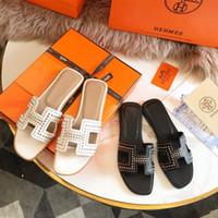 strass de strass lisos para mulheres venda por atacado-Designer de moda de luxo mulheres sapatos sandálias flat sandálias de couro Genuíno verão Rhinestone Praia chinelos de alta qualidade