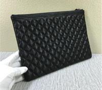 bolsos de moda de la marca de la celebridad al por mayor-Marca de moda clásica Embragues Bolso de noche de cuero genuino Cerrojo acolchado Celebrity Leather Bag S301