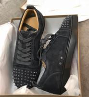 dantel düğün ayakkabısı boyutu toptan satış-KUTU Boyutu 47 ile 2019 Erkekler Tasarımcı Ayakkabı Kırmızı Alt Eğitmenler Genç Dikenler Sneaker Gerçek Deri Kadınlar Dantel-up Düz Eğitmenler Düğün Ayakkabı