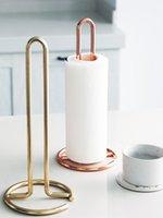 toalheiros metálicos venda por atacado-Mesa de jantar vertical nórdica da cremalheira de toalha de papel do metal, suporte 12.4 do suporte da cremalheira do papel de rolo do toalete da cozinha