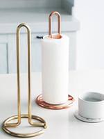 porte-serviettes de toilette achat en gros de-Table à manger verticale de support d'essuie-tout en métal nordique, support de support de support de papier de papier de toilette de cuisine 12.4