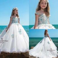 off beyaz kız elbiseleri toptan satış-2019 Yeni Beyaz Balo Çiçek Kız Elbise Mavi Aplike Kapalı Omuz Kız Örgün Pageant Elbiseler Kız Doğum Günü Partisi Comm kıyafeti Custom Made