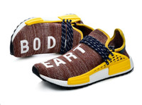 mejores botas de carrera al por mayor-Descuento 2019 Pharrell Williams Hu Surfaces In Red Plaid Human Race atlético mejores zapatillas deportivas para hombres botas de mujer, zapatillas de entrenamiento