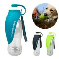bebida de agua de gato al por mayor-580 ml de agua portable del perro Botella Diseño de la hoja de silicona suave recipiente para perros de viajes para el gato cachorro potable para mascotas al aire libre Dispensador de agua