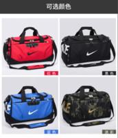 bolsas de hombro al aire libre para hombre al por mayor-Nueva marca Travel Bag Duffel Bags unisex Brand Shoulders new Fashion Outdoor Luggage Sports Handbag para mujeres Hombres gran capacidad