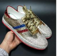 zapatos de charol hip hop al por mayor-Nuevas ventas calientes Hombres Zapatillas de deporte de Hip Hop Zapatillas de deporte de diseñador de pasarela de fondo rojo Caucho Dorado Plata Casual zapatos