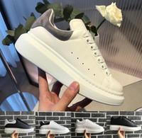 apartamentos de casamento amarelo venda por atacado-Top Sapatos De Grife De Luxo Das Mulheres Dos Homens formadores Sapatos de Plataforma de Couro Branco Plana Casual Sapatos de Festa de Casamento Camurça Tênis Em Execução