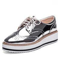oxfords de plataforma preta venda por atacado-Atacado- New Womens Winged Oxford Lace Up Listrado Plataforma Metallic Silver Black Moda Plataforma Vintage Bullock Flat Sapatos Femininos 10.5