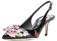 kadın beyaz sandalet yapay elmas toptan satış-2019 Çiçek Gladyatör Sandalet Kadınlar Sivri Burun Rhinestone Elmas Mavi Ve Beyaz Porselen Yüksek Topuk Ayakkabı Kadın Parti Ayakkabı