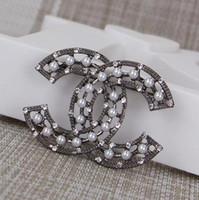 jóia do natal venda por atacado-Novo presente de Natal Top quality Jóias diamante Camellia Broche Mulheres moda pérola broche + caixa