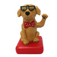 ingrosso occhiali da cucina in plastica-Cartoon bicchieri di plastica cane Scuotere la testa Figura ornamenti dell'automobile Auto decorazioni interne bambola giocattolo ornamento Accessori