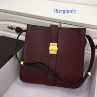 Wholesale real world resale online - Designer Shoulder bags women fashional crossbody real soft leather outside adjustable wide belts comfortable touch Hot on the world