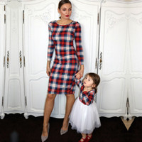 Wholesale mommy daughter clothes match resale online - 2019 New Mommy and me Family Look Mom Girl Plaid Matching Dress Family Matching Outfits Mom Mother and Daughter Clothes DressesMX190919