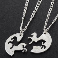 moneda de los hombres al por mayor-Al por mayor 2PC Running Horses Puzzle Coin Animal Charm mejor amigo amantes de los pares Amor regalos Amistad collares pendientes de las mujeres de los hombres
