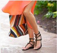 sandale schuhe großhandel-Zapatos Mujer Farbe Nieten Versetzt Gladiator Flache Sandalen Steine Besetzt Flip Sandale Große Größe Designer Frauen Günstige Schuhe Sommer # 9025