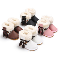 botas de goma viejas al por mayor-Invierno 0-1 años de edad, más terciopelo, borlas cálidas, estampado de leopardo, botas para la nieve, fondo de goma, zapatos antideslizantes para niños pequeños