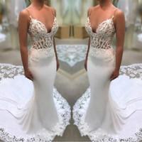 sereia casamento vestidos rendas flores venda por atacado-Plus Size Lace Flores Apliques de Casamento Branco Vestidos de 2019 Novas Tiras de Espaguete Sereia Ilusão Lados Vestidos de Noiva Com Tribunal Trem BA994
