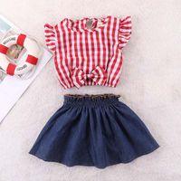 kızlar kırmızı şort seti toptan satış-Yaz çocuk giyim seti bebek kısa elbise kırmızı ekose çıplak göbek düğme Tişört + kız için mavi kot etek