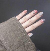nail art perle aufkleber großhandel-24 stücke Heißer Farbverlauf Falsche Nägel Pale Mauve Perle Kurz Platz Volle Abdeckung Acryl Nail art Gefälschte Nagelspitzen Mit Kleber Aufkleber