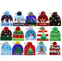 kardan adam yılbaşı şapkaları toptan satış-Noel LED Beanies Çocuk Ponpon Kış Şapka Gece Luminous Light Up Kardan Adam Elk X-mas Ağacı Örme Kafatası Açık Partisi Yetişkin Şapka A120502 Caps