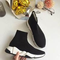 neue weiße schuhe großhandel-2019 neue Mode Qualität Knit Socks Schuhe Geschwindigkeit Trainer High Race Runnersmens Damen Turnschuhe Schwarz Weiß Slip-on Triple s Casual Shoes