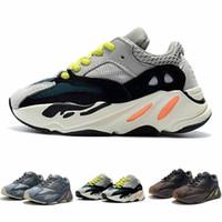 спортивные тренажеры для мальчиков оптовых-Детская обувь Wave Runner 700 Kanye West Кроссовки Мальчик и Девочка Тренер Спортивная обувь Детская спортивная обувь с коробкой