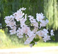 kiraz sola toptan satış-Düğün Yapay Çiçek Kiraz Çiçeği Şube 110 cm Düğün Dekorasyon Sahte Çiçek Sakura 4 Çatal Yeşil Yapraklar ile Ev Pazarı dekor