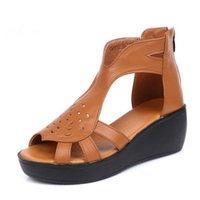 açık bot çizgileri toptan satış-2019 Yeni Moda Yaz Açık Ayakkabı Platformu Takozlar Sandalet Kadın Ayakkabı Zarif Konfor Yumuşak Serin Çizmeler Hakiki Deri Sandalet