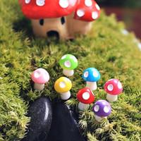 ingrosso ornamenti di funghi da giardino-Mini 10 pezzi Funghi da giardino Ornamento Resina Artigianato Decor Funghi Terrario Figurine Fata Garden Party Garden