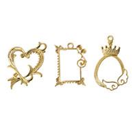 Wholesale pendant frames for sale - Group buy 3Pcs Queen Heart Hollow Photo Frame Pendant Open Bezel Setting DIY Resin Jewelry