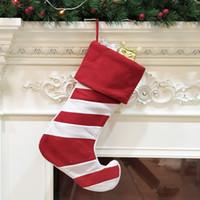 grandes sacos de armazenamento pendurado venda por atacado-Árvore de Natal grande Chirstmas Decoração Stocking Stripe Natal Sock Gift Bag Decoração Pendure Storage Bag Party Supplies DBC VT0756