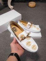 erkek beyefendi beyaz ayakkabıları toptan satış-Klasik erkek Ayakkabıları marka adı Lüks Gentleman Dantel-up Deri İş Ofis siyah ve beyaz erkekler Elbise Dhl Ücretsiz Kargo Boyutu