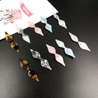 ingrosso fascini acrilici-Nuovo stile di colore modello di stampa geometria rombo forma arco acrilico / perle di acido acetico charms gioielli fai-da-te orecchini pendente accessorio