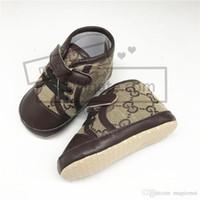 yüksek ayak bileği erkek ayakkabıları toptan satış-Tasarımcı Bebek Ayakkabı Bebek Çizmeler Erkek Kız Toddler Yüksek Top Ayak Bileği Sneakers Yumuşak Sole Yenidoğan Bebek İlk Walkers Beşik Ayakkabı 4 Stilleri