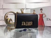сумка на плечо черного золота оптовых-Классическая кожа черное золото серебряная цепь горячее надувательство 2019 новые женские сумки сумки Сумки на ремне сумки Сумка размер:25*16.5*6.5 cm M9000