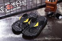 хорошие резиновые туфли оптовых-Nice Eye Monster Летняя мужская обувь Шлепанцы Свободные облегающие мужские пляжные тапочки Резиновый массаж на открытом воздухе Мужские сандалии