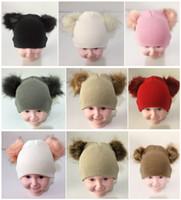 en iyi çocuklar kışlık şapkalar toptan satış-2019 INS çocuklar bebek Çift Kürk Topu Bere Örgü Tığ erkek kız Kürk Pom Kayak Cap Beanies Kış Sıcak Pom Pom Şapka Parti öğrencileri Şapkalar en