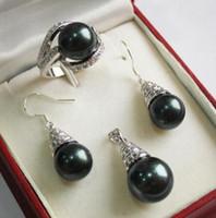 anillos de boda de jade negro al por mayor-Prett Lovely Wedding Wedding 12mm Black Shell Pearl Colgante Collar Pendientes Anillo Set C06 5.23