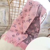 women s wool scarf venda por atacado-Homens e mulheres cachecol de lã xale letra flor borla estilo de design de moda casual outono e inverno cachecol