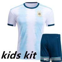 pantalones cortos de fútbol de argentina al por mayor-2019 Copa América Argentina fútbol Jersey camiseta inicio Kids Kit MESSI DI MARIA DYBALA Uniforme juvenil infantil HIGUAIN MARADONA AGUERO