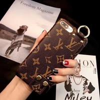 deri çanta iphone çantası toptan satış-Vogue bilek band telefon kılıfı için iphone x xs max deri tasarımcı arı kahverengi çiçek İngilizce desen kılıfları için iphone xr 8 7 6 artı kapak