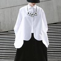 camisa de dobladillo asimétrico al por mayor-Camisas irregulares blancas blusa de las mujeres de cuello de solapa de manga larga dobladillo asimétrico Tops Mujer 2019 Moda Streetwear