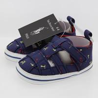 sandalias de niño 12 al por mayor-2019 Zapatos de bebé ocasionales Tela de algodón Suela suave Recién nacidos Niños Chicas Primeros zapatos para caminar Sandalias Zapatos infantiles