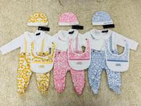 ingrosso corpo dei ragazzini-0-18M Baby Girl boy stampa europea tuta 3 pezzi set pagliaccetto cappello da bambino + tuta manica lunga pagliaccetto tute neonato